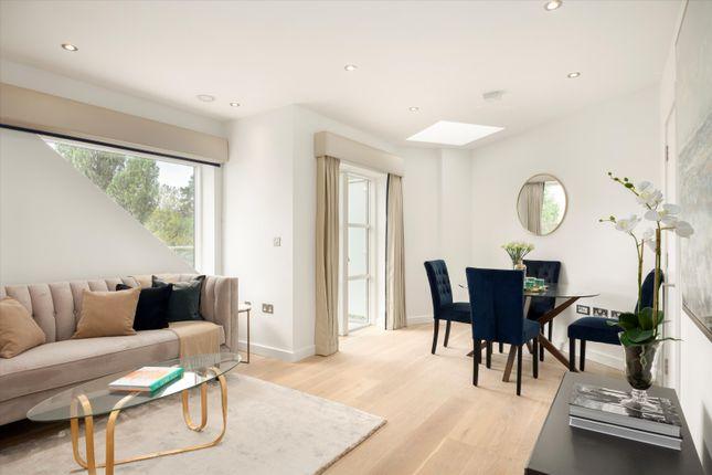 2 bed flat for sale in Darlaston Road, London SW19