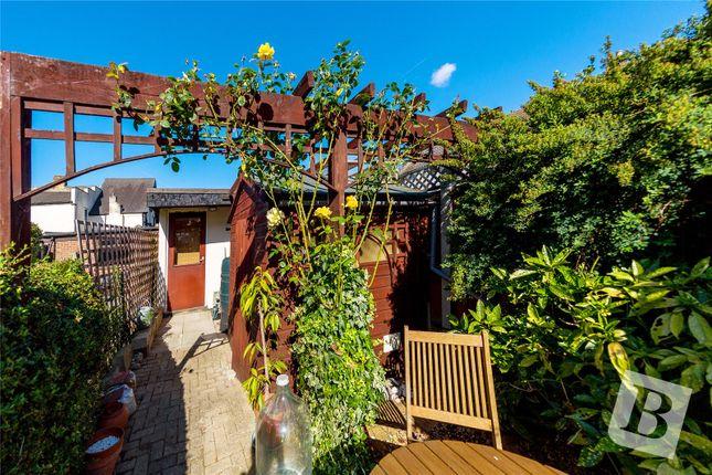 Picture No. 03 of Heathcote Grove, London E4