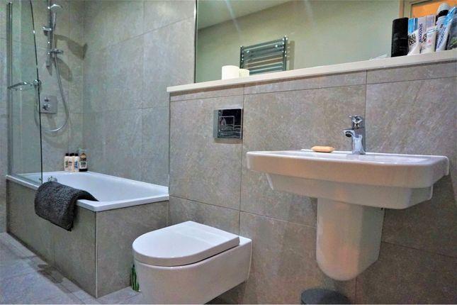 Bathroom of Bentinck Street, Manchester M15