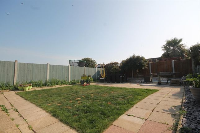 Lounge of Turpins Close, Clacton-On-Sea CO15