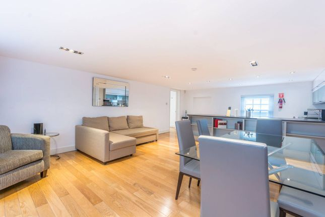 Thumbnail Flat to rent in Hanover Place, Covent Garden