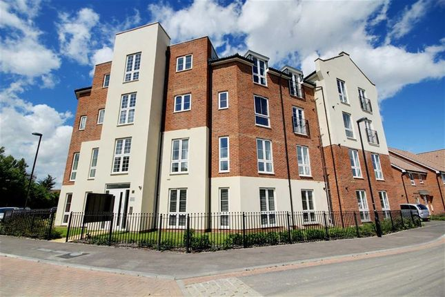 Thumbnail Flat for sale in Stephenson Court, Cambrian Way, Cissbury Chase, Worthing, West Sussex
