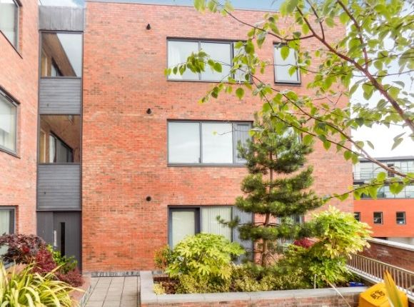 Thumbnail Flat to rent in Manor House, 31 Longstone Street, Lisburn