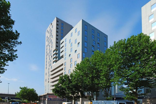 Thumbnail Flat to rent in Wharfside Point South, Canary Wharf