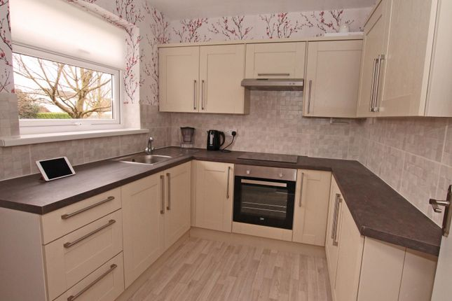 2 bed flat to rent in Greendale Court, Cottingham HU16