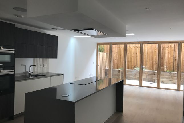 Thumbnail Town house to rent in Vinery Way, London