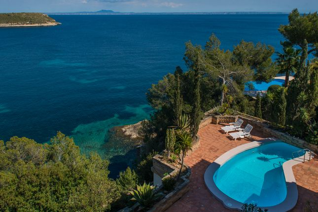 Thumbnail Villa for sale in Cala Vinyas, Mallorca, Balearic Islands