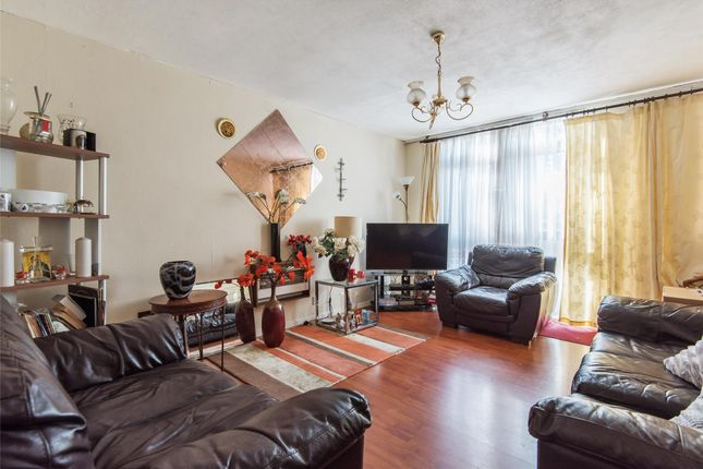 Thumbnail Maisonette for sale in Palace Road, London
