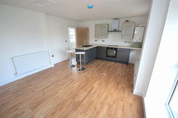 Thumbnail Flat for sale in Chapel Street, Tiverton