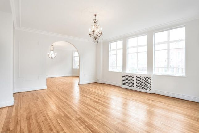 Thumbnail Flat to rent in Oakwood Court. Kensington, London