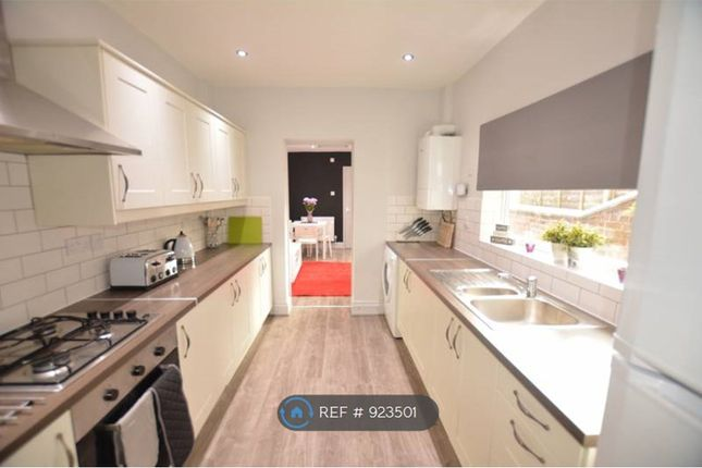 Thumbnail Room to rent in Victoria Road, Northwich