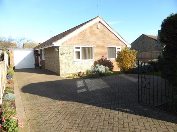 Thumbnail Bungalow for sale in Queens Road, Littlestone, New Romney