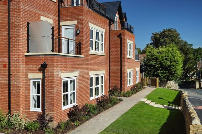 Thumbnail Flat for sale in Station Road, Wheatley, Oxford