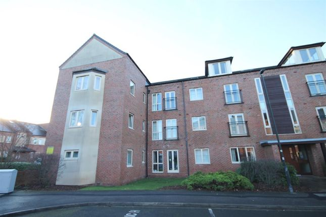 2 bed flat for sale in Lawrence Square, York