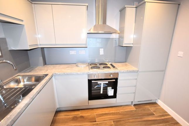 Thumbnail Flat for sale in Queensway, Bletchley, Milton Keynes