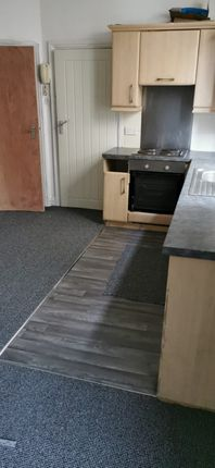 1 bed flat to rent in Howard Gardens, Roath, Cardiff CF24