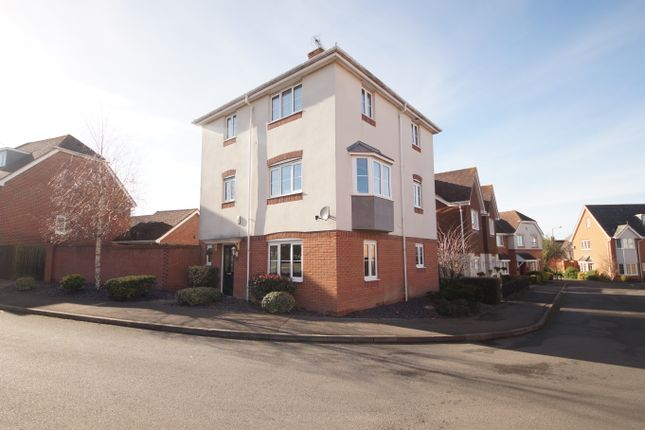 Thumbnail Town house for sale in Great Marlow, Hook