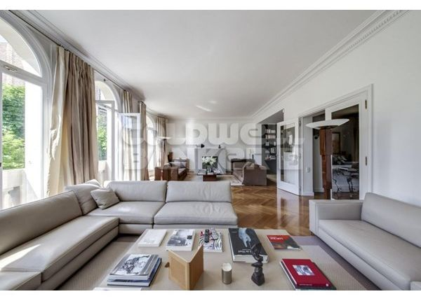 Thumbnail Property for sale in 75016, Paris 16Ème, Fr