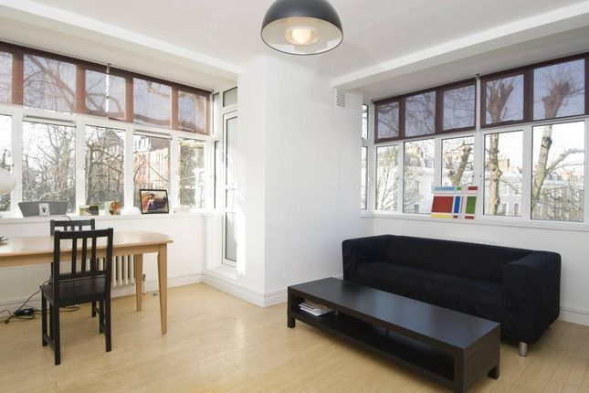 2 bed flat to rent in Chepstow Court, Chepstow Crescent, London
