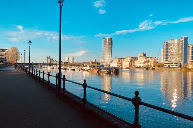 Thumbnail Flat for sale in Watermans Quay, Fulham