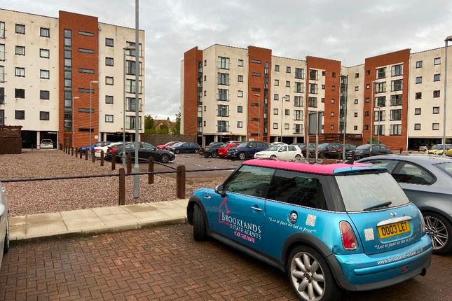 3 bed flat to rent in Pilgrims Way, Salford M50