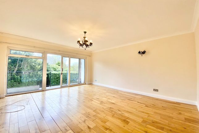 2 bed flat to rent in Galsworthy Road, Norbiton, Kingston Upon Thames KT2
