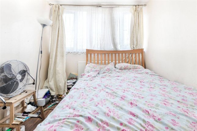 Picture No. 04 of Hazel Grove, London SE26