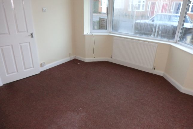3 bed town house to rent in Estoril Avenue, Wigston LE18