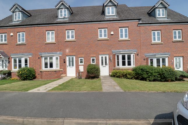 4 bed mews house to rent in Reedmace Walk, Newcastle Under Lyme, Staffordshire ST5