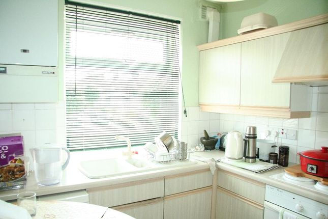 Thumbnail Flat for sale in Montpelier Rise, London