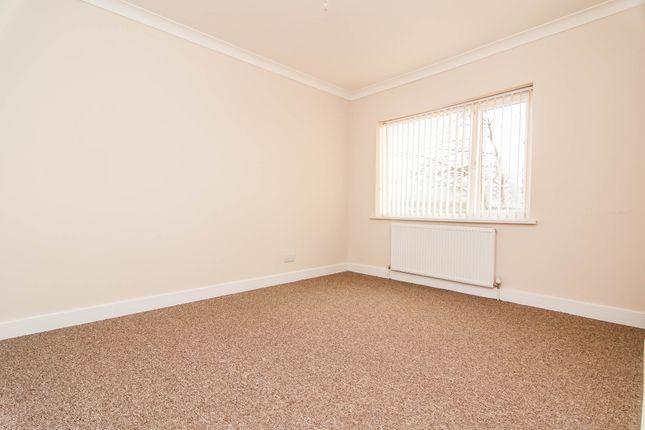 Bedroom of Finch Road, Doncaster DN4