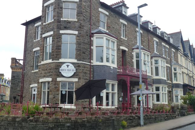Thumbnail Pub/bar for sale in Temple Chamber, Llandrindod