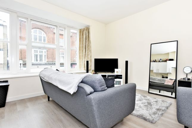 1 bed flat to rent in High Street, Camberley GU15