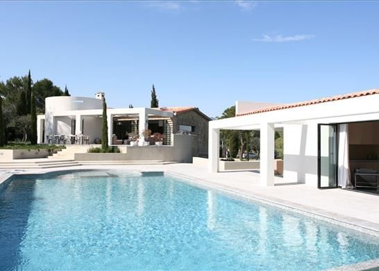 5 bed town house for sale in 06740 Châteauneuf, France