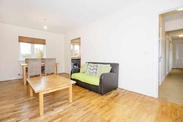 Thumbnail Flat to rent in Tarragon Walk, Banbury