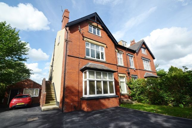 2 bed flat for sale in Street Lane, Roundhay, Leeds
