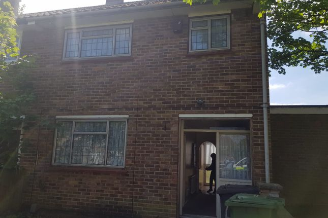 Thumbnail Terraced house to rent in Sandstone Road, London