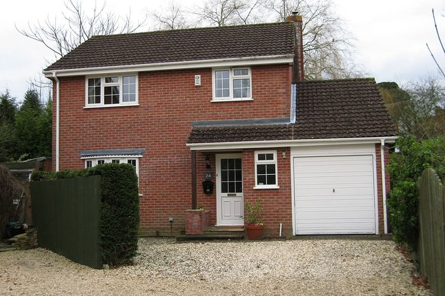 4 bed detached house to rent in Harwood Rise, Woolton Hill, Newbury, Berkshire RG20