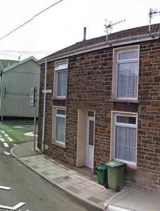 Terraced house to rent in High Street, Mountain Ash