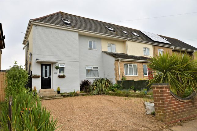 Thumbnail Cottage for sale in Berechurch Road, Colchester