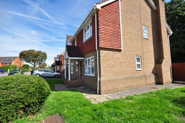 Thumbnail Detached house to rent in Coltsfoot Drive, Weavering, Maidstone