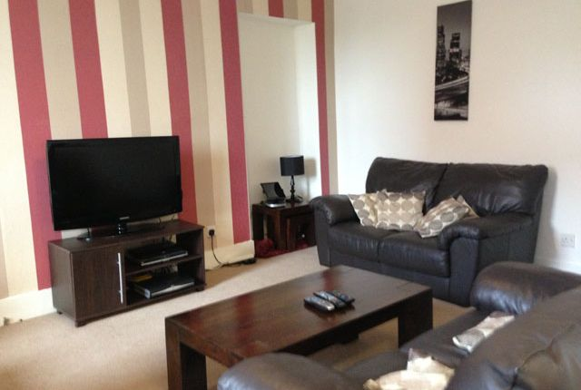 Thumbnail Flat to rent in Skene Square, Aberdeen