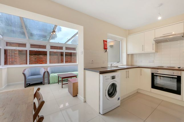 Thumbnail Town house to rent in Barnfield Place, Isle Of Dogs