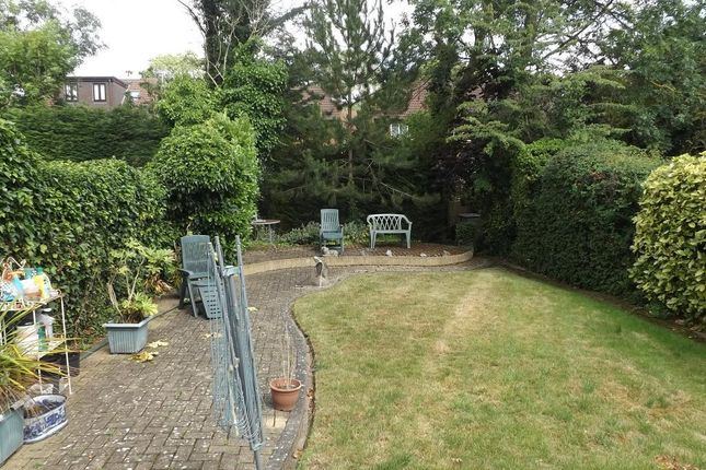 Photo 3 of The Grove, Edgware, Middlesex HA8