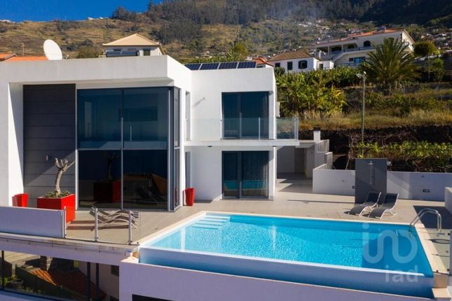 Thumbnail Detached house for sale in Arco Da Calheta, Calheta (Madeira), Ilha Da Madeira