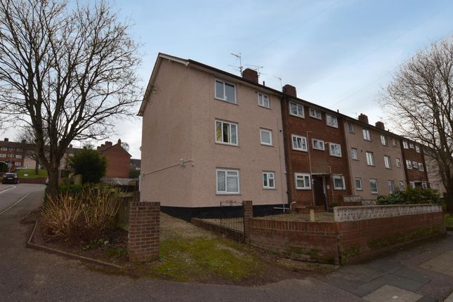 Thumbnail Flat to rent in Lloyds Crescent, Exeter