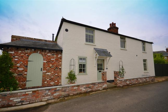 Thumbnail Cottage for sale in The Havaker, Reedham, Norwich
