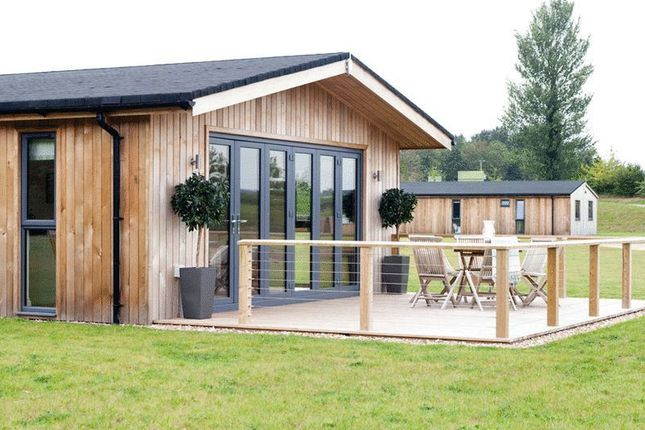 Thumbnail Lodge for sale in West Tanfield, Ripon