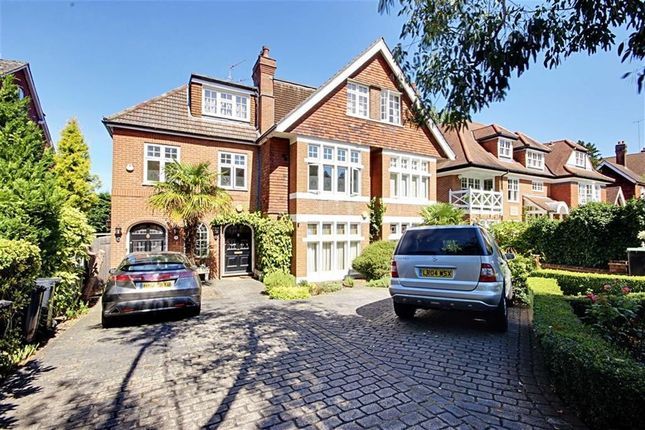 Thumbnail Flat to rent in Crescent East, Barnet