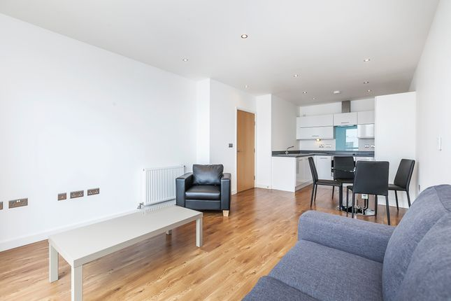 1 bed flat to rent in High Street, London